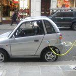 Coches eléctricos: ¿puedo instalar un punto de recarga en mi plaza de garaje?
